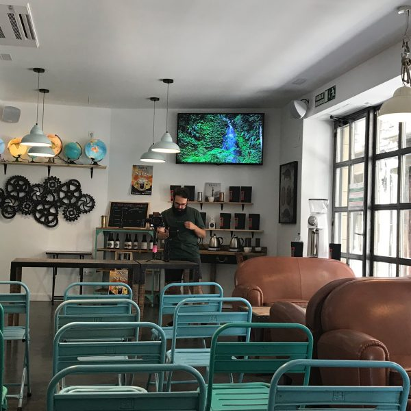 Winederful Hostel & Café