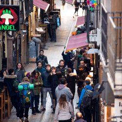 Fotografía de rodaje en la calle Laurel de Logroño